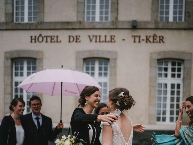Le mariage de Mathieu et Anne-Charlotte à Saint-Pol-de-Léon, Finistère 44