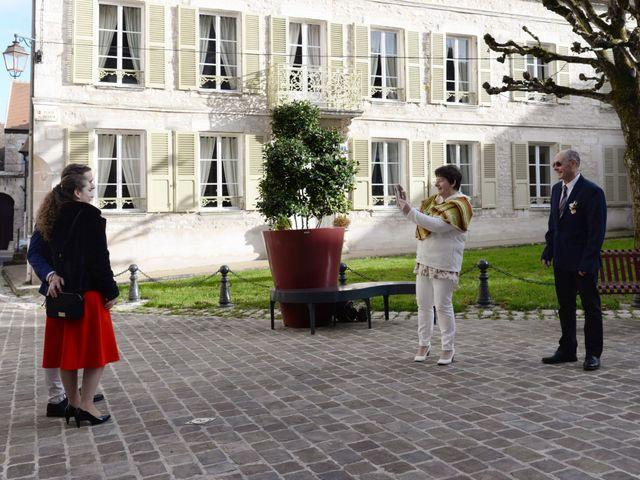 Le mariage de Farouk et Pauline à Chablis, Yonne 16