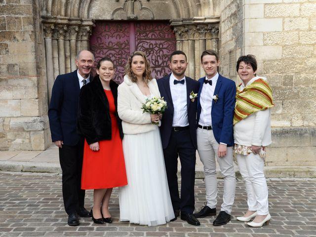 Le mariage de Farouk et Pauline à Chablis, Yonne 18