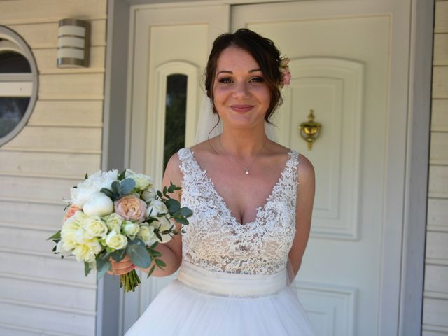 Le mariage de Victor et Ivana à Saint-Jean-de-Liversay, Charente Maritime 15