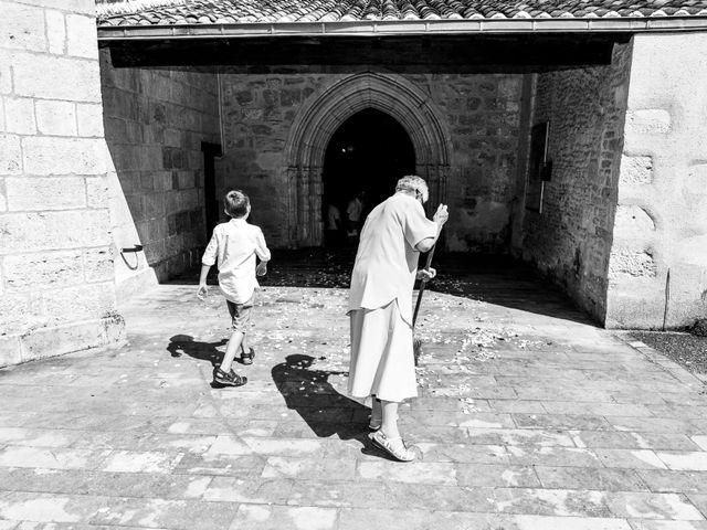 Le mariage de Victor et Ivana à Saint-Jean-de-Liversay, Charente Maritime 30