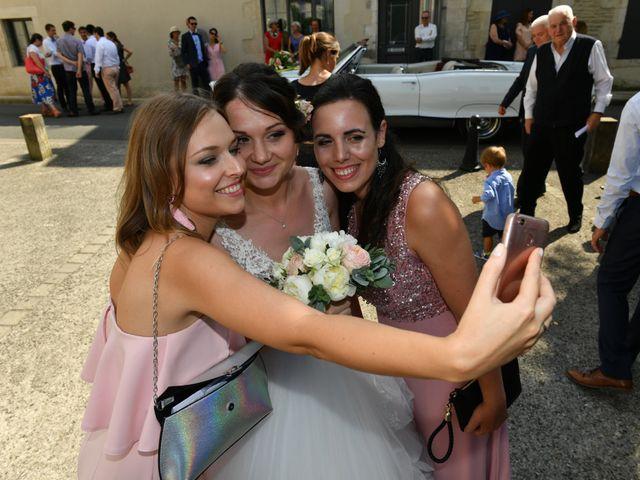 Le mariage de Victor et Ivana à Saint-Jean-de-Liversay, Charente Maritime 31