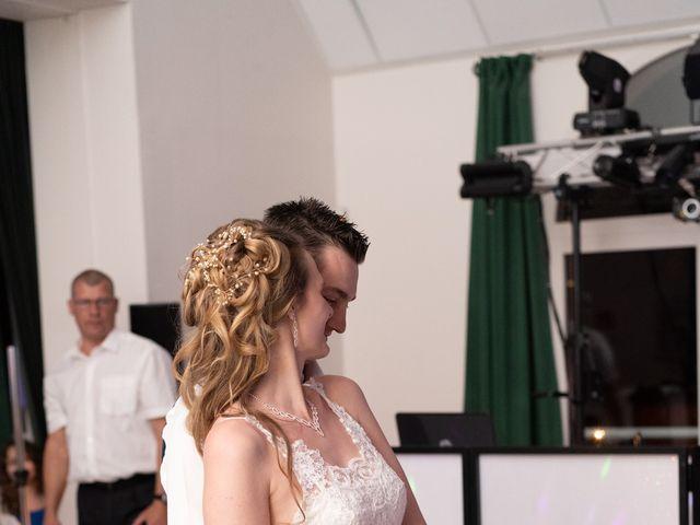 Le mariage de Christopher et Alicia à Boissise-la-Bertrand, Seine-et-Marne 39