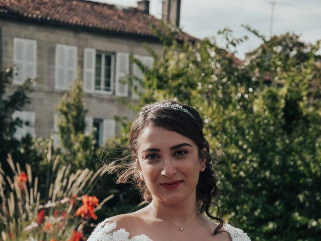 Le mariage de Nadia et Revaz à Cognac, Charente 5
