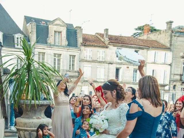 Le mariage de Nadia et Revaz à Cognac, Charente 27