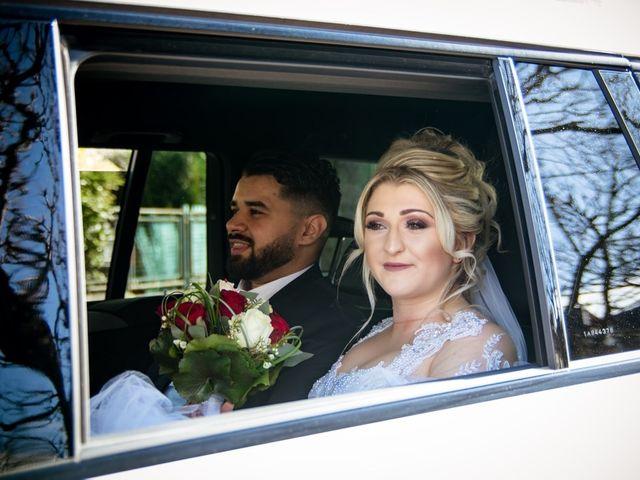 Le mariage de Aziz et Amandine à Vernon, Eure 17