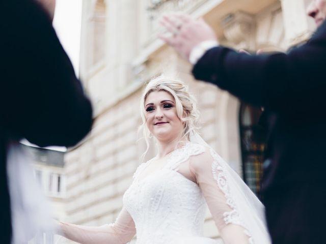 Le mariage de Aziz et Amandine à Vernon, Eure 19