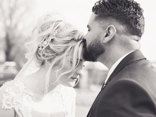 Le mariage de Aziz et Amandine à Vernon, Eure 1