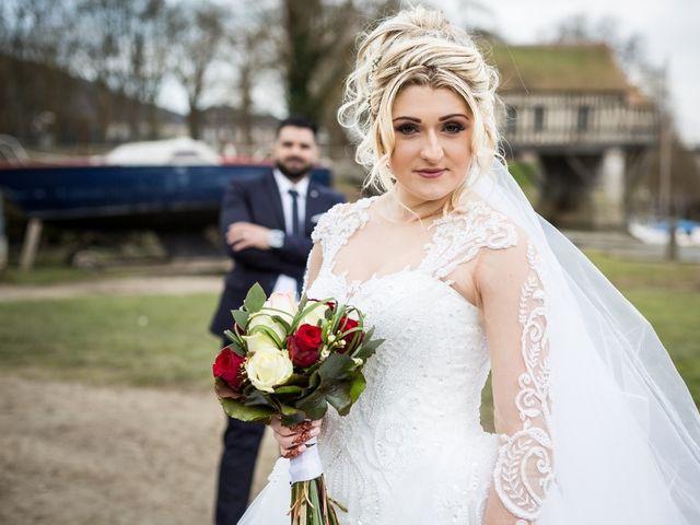 Le mariage de Aziz et Amandine à Vernon, Eure 27