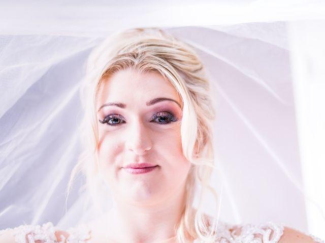 Le mariage de Aziz et Amandine à Vernon, Eure 35