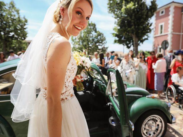 Le mariage de Pierre et Violaine à Vourles, Rhône 16