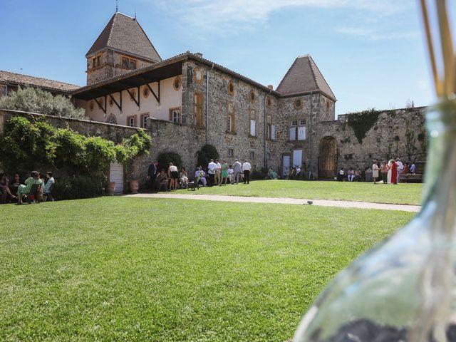 Le mariage de Pierre et Violaine à Vourles, Rhône 37