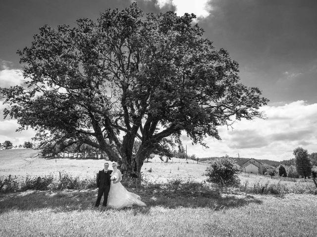 Le mariage de Romain et Elsa à Allenc, Lozère 8