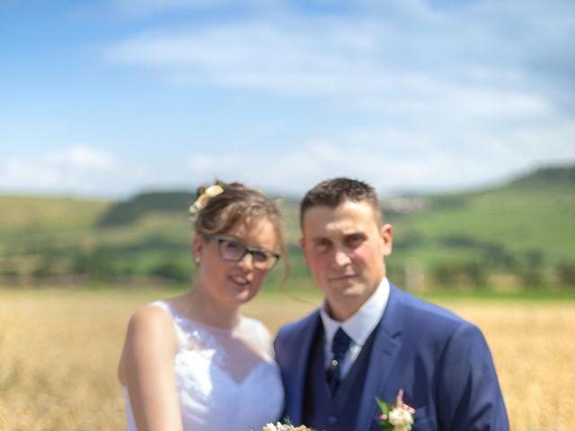 Le mariage de Romain et Elsa à Allenc, Lozère 11