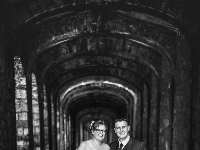 Le mariage de Romain et Elsa à Allenc, Lozère 13
