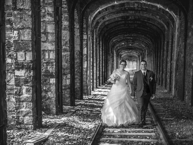 Le mariage de Romain et Elsa à Allenc, Lozère 14