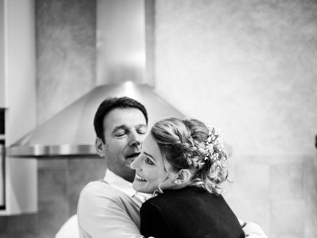 Le mariage de Jean-Christophe et Estelle à Saint-Laurent-d'Oingt, Rhône 8