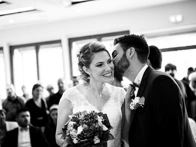Le mariage de Jean-Christophe et Estelle à Saint-Laurent-d'Oingt, Rhône 18