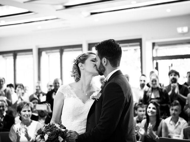Le mariage de Jean-Christophe et Estelle à Saint-Laurent-d'Oingt, Rhône 19