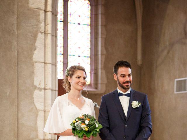 Le mariage de Jean-Christophe et Estelle à Saint-Laurent-d'Oingt, Rhône 24