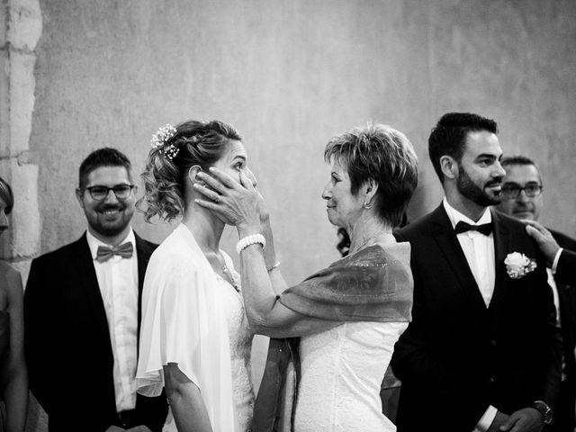 Le mariage de Jean-Christophe et Estelle à Saint-Laurent-d'Oingt, Rhône 27