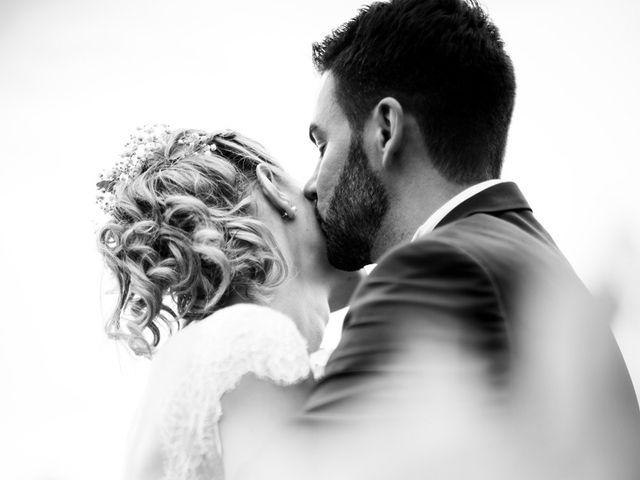Le mariage de Jean-Christophe et Estelle à Saint-Laurent-d'Oingt, Rhône 37