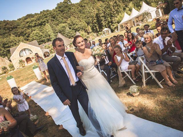 Le mariage de Grégory et Hélène à Plumelin, Morbihan 30