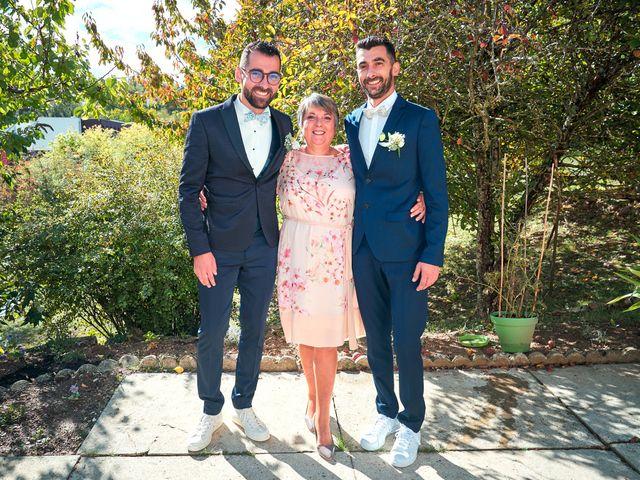 Le mariage de Geoffrey et Xavier à Pont-sur-Yonne, Yonne 19