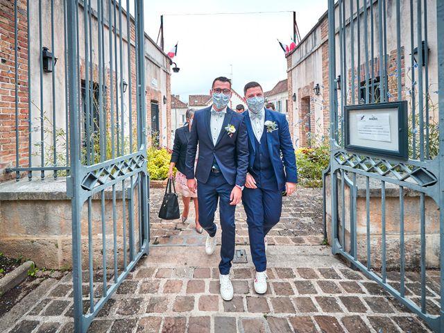 Le mariage de Geoffrey et Xavier à Pont-sur-Yonne, Yonne 24