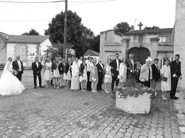 Le mariage de Thomas et Hélène à Montroy, Charente Maritime 23
