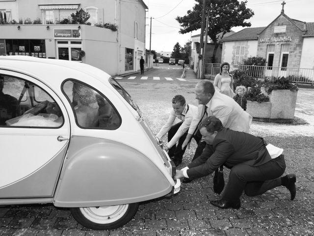 Le mariage de Thomas et Hélène à Montroy, Charente Maritime 35
