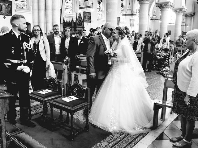 Le mariage de Axel  et Ophélie  à Estaires, Nord 8
