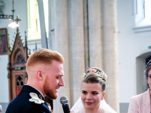 Le mariage de Axel  et Ophélie  à Estaires, Nord 19