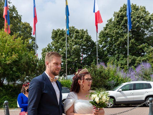 Le mariage de Anthony et Louise-Eugénie à Dole, Jura 3