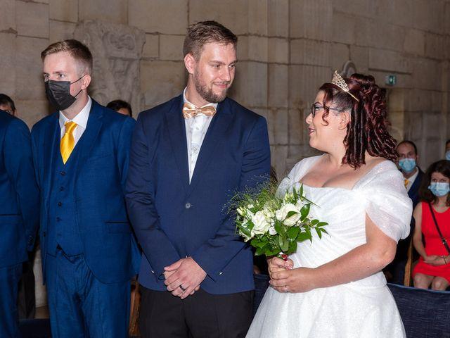 Le mariage de Anthony et Louise-Eugénie à Dole, Jura 5