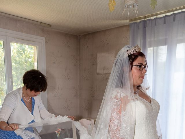 Le mariage de Anthony et Louise-Eugénie à Dole, Jura 22