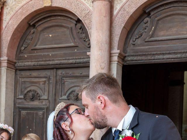 Le mariage de Anthony et Louise-Eugénie à Dole, Jura 23
