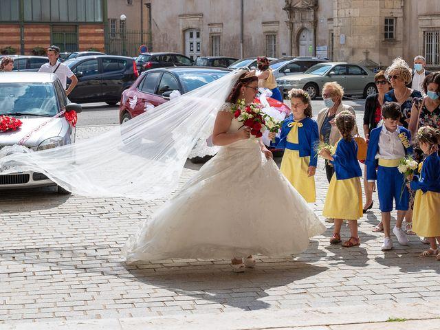 Le mariage de Anthony et Louise-Eugénie à Dole, Jura 27