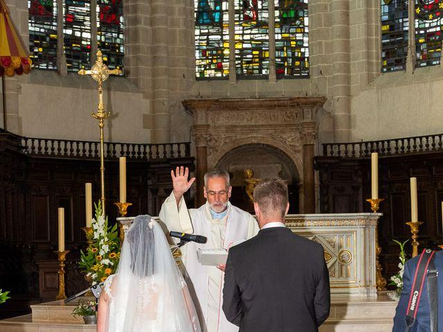 Le mariage de Anthony et Louise-Eugénie à Dole, Jura 30