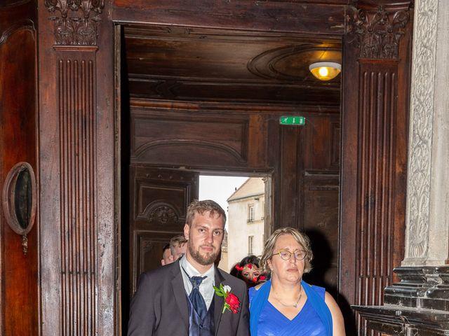 Le mariage de Anthony et Louise-Eugénie à Dole, Jura 32