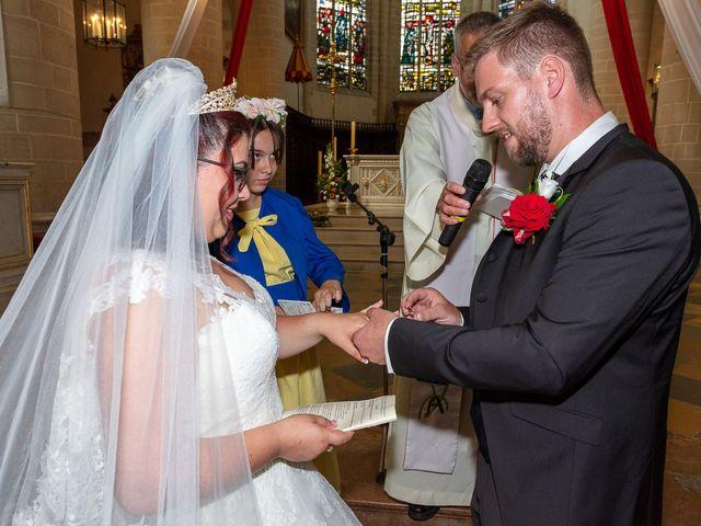 Le mariage de Anthony et Louise-Eugénie à Dole, Jura 34