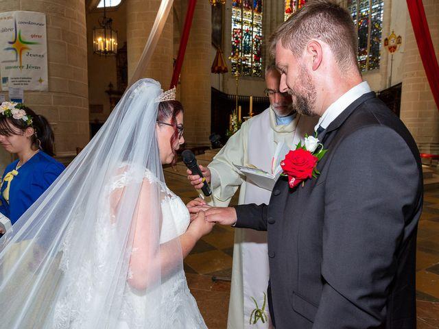 Le mariage de Anthony et Louise-Eugénie à Dole, Jura 35