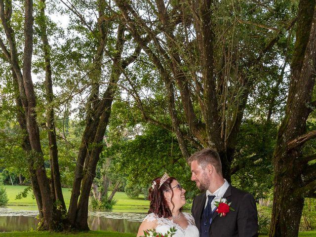 Le mariage de Anthony et Louise-Eugénie à Dole, Jura 45