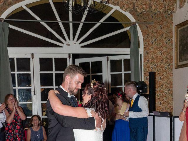 Le mariage de Anthony et Louise-Eugénie à Dole, Jura 55