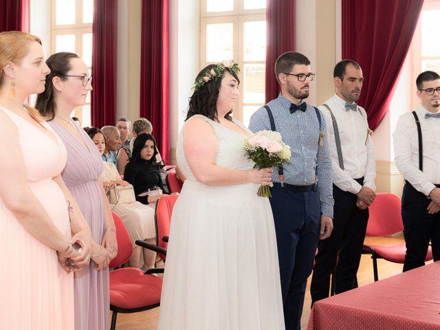 Le mariage de Jonathan et Camille à L'Isle-Jourdain, Gers 31