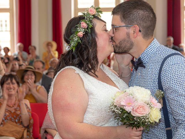 Le mariage de Jonathan et Camille à L'Isle-Jourdain, Gers 32