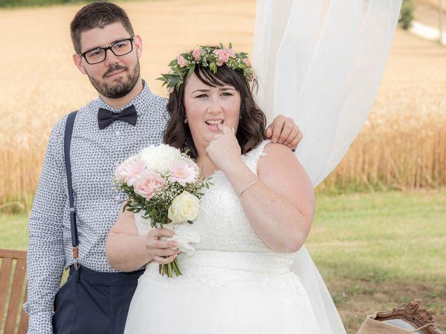 Le mariage de Jonathan et Camille à L'Isle-Jourdain, Gers 38