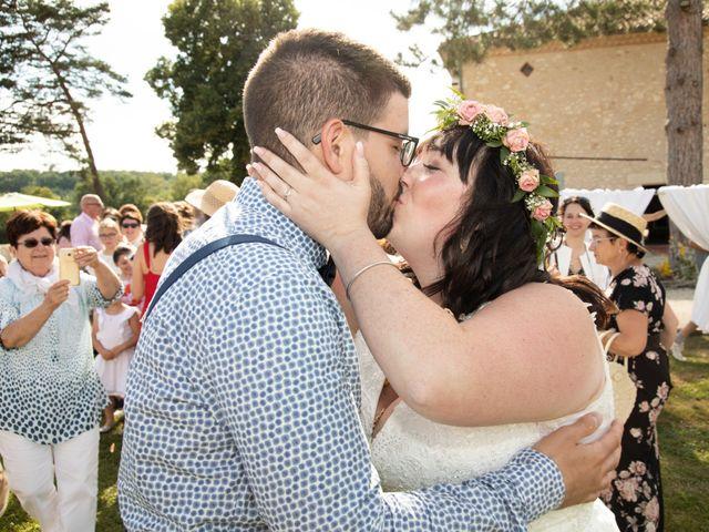 Le mariage de Jonathan et Camille à L'Isle-Jourdain, Gers 44