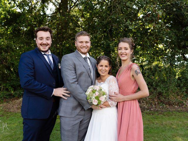 Le mariage de Bastien et Charline à Bourbriac, Côtes d'Armor 3
