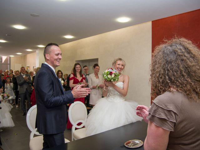 Le mariage de Jimmy et Amandine à Hersin-Coupigny, Pas-de-Calais 11